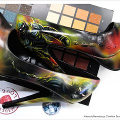 schuhe-lack-pumps-bemalt-bemalte-handbemalt-airbrush-schuhbemalung-disturbed_indestructible_guy-dumbsky_7586.jpg